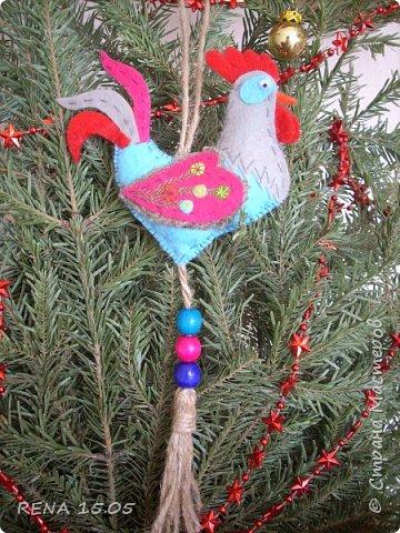 Девочки, следующий год - год Петуха, у нас есть время подготовиться и пошить милые игрушки, которые могут стать подарками или украшением для ёлки. фото 14