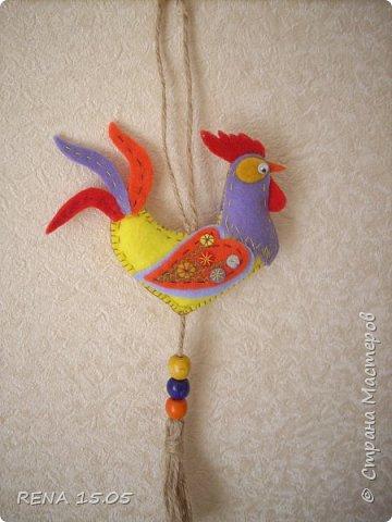 Девочки, следующий год - год Петуха, у нас есть время подготовиться и пошить милые игрушки, которые могут стать подарками или украшением для ёлки. фото 16