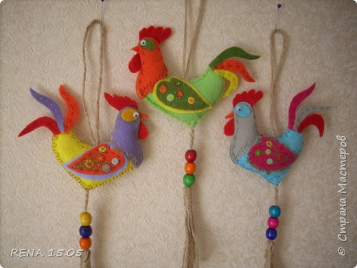 Девочки, следующий год - год Петуха, у нас есть время подготовиться и пошить милые игрушки, которые могут стать подарками или украшением для ёлки. фото 18