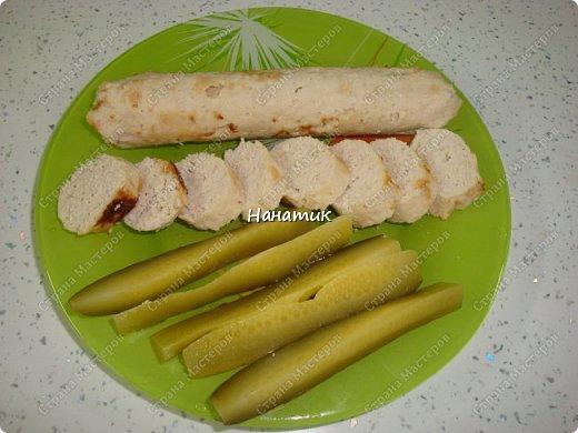 Добрый вечер! делюсь рецептом колбасок куриных. Просто и быстро. -876г куриного филе -1 луковица крупная -130мл молока -50г сливочного масла -1 яйцо -соль по вкусу (специи не добавляла) фото 8