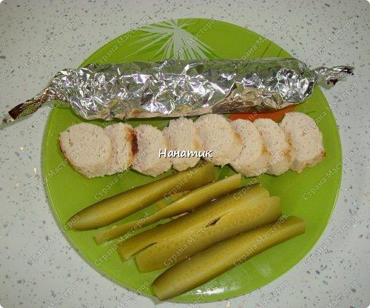 Добрый вечер! делюсь рецептом колбасок куриных. Просто и быстро. -876г куриного филе -1 луковица крупная -130мл молока -50г сливочного масла -1 яйцо -соль по вкусу (специи не добавляла) фото 1