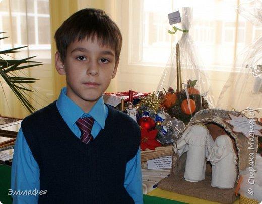 Спасибо Светлане Хачиной за вдохновение http://stranamasterov.ru/node/864218?c=favorite Её вертеп идеален, у меня получилось не так, но  тоже миленько. Особенно мне нравится Иосиф - я ему пришила бородку и на голове шнур золотой закрепила. фото 7