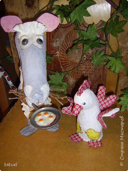 Всем добрый вечер. Знакомьтесь: мышка хозяйственная. Живет при доме.  Помогает на кухне, готовит, накрывает на стол, моет посуду.  фото 5