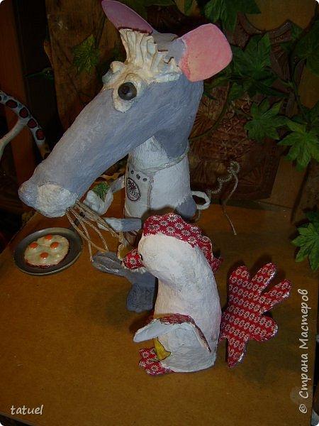 Всем добрый вечер. Знакомьтесь: мышка хозяйственная. Живет при доме.  Помогает на кухне, готовит, накрывает на стол, моет посуду.  фото 7