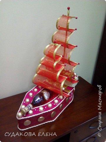 Сделался кораблик очень быстро, с парусами вся извелась, то кривые, то косые, то большие, то маленькие, перепортила кучу материала, в итоге нашла для себя мастер класс Тхоривской Ирины http://stranamasterov.ru/node/817387 фото 1
