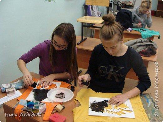 наше творчество с детьми(роспись футболок и маски) фото 3