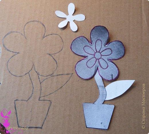 """Всем добрый вечер! Вот такие магнитики - топиарчики у меня сотворились! """"Заболела"""" идеей топиариев, но захотелось создать что-то немного новенькое, интересненькое, и вот магнитики топиарчики в стиле цветочков придумались мне, после поиска в интернете, и того, как я нашла деревянные заготовки цветов))). Захотелось сделать из мелких шариков из сизаля, создавая при этом не просто топиарий а цветок! Хотелось бы поделиться идеей как я их делала! В начале было 2 магнитика, но я добавила еще 2, которые сделала, добавила немного тычинок и божьих коровок в начальные))) фото 4"""