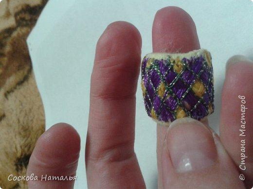 Всем Здравствовать, не хворать. Хочу поделиться с вами одной очень удобной штучкой - это юбинуки. В Японии - это наперстки в виде колечка, ручной работы. Я себе сделала одно, мне очень нравится, удобненько.  фото 4