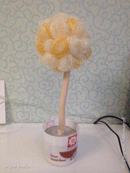 Привет всем! Хочу поделиться с вами идеей, как можно сделать замечательный топиарий (дерево счастья) к 8 марта :)  фото 11