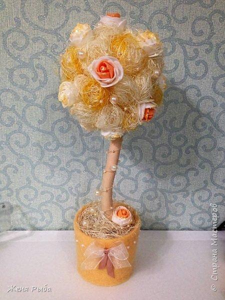 Привет всем! Хочу поделиться с вами идеей, как можно сделать замечательный топиарий (дерево счастья) к 8 марта :)  фото 1