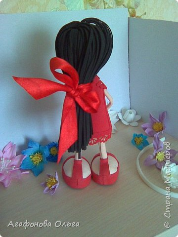 Кукла Кристина из фоамирана в красном фото 2