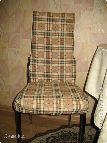 """Добрый вечер. Персонаж фильма """"Двенадцать стульев"""" говорил:  """"Утром деньги - вечером стулья"""". Перефразируя автора этих строк, можно сказать, что утром бегом на работу, а вечером появилось время сфотать стульчики.  Одежда на четыре таких стула была сшита год назад в очередные длинные новогодние праздники. фото 1"""