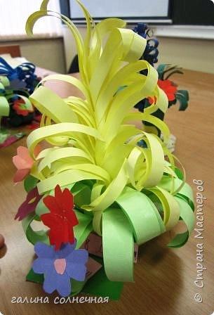 Здравствуйте. Готовимся с детьми к 8 марта.  Учимся делать букеты цветов. Яркие, красивые. фото 3