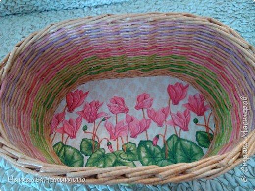Мои радужные плетенки. Утилизировала остатки цветных трубочек. Веселенькие получились. фото 3