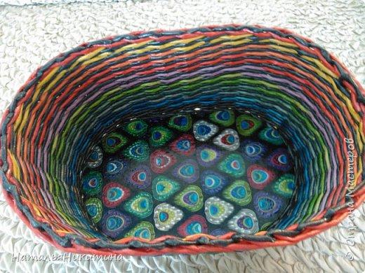 Мои радужные плетенки. Утилизировала остатки цветных трубочек. Веселенькие получились. фото 5