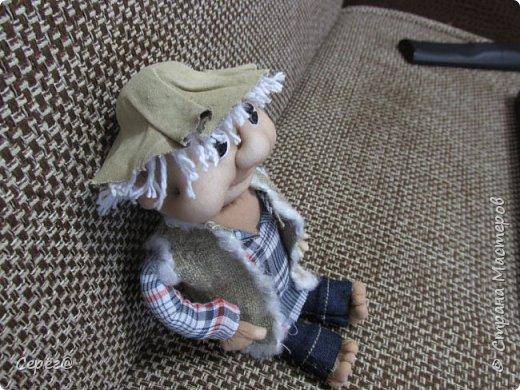 Всем привет, осваиваю новые виды поделок. Моя первая кукла. Знаю что до идеала далеко, но и этим пока горжусь. фото 2