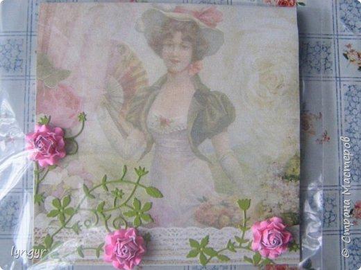Здесь простенькие цветочки с серединками из глиттера. фото 5