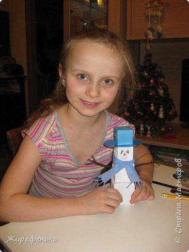 Этого милого снеговичка сделала моя соседка Вероника (7 лет) с моей помощью. Спасибо за МК Т.Н. Просняковой. фото 4