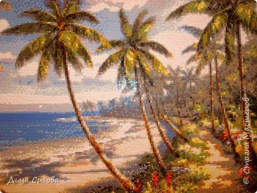 Добрый вечер! Недавно закончила еще одну мозаику. Море, пальмы, побережье... Размер 40 на 60 см. фото 2