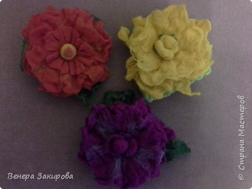 Цветочки из шерсти фото 3
