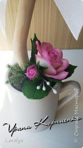Кофейный топиарий с розами из фоамирана  фото 3