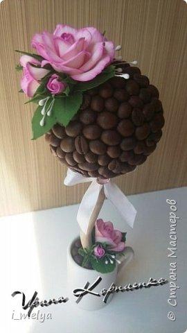 Кофейный топиарий с розами из фоамирана  фото 4