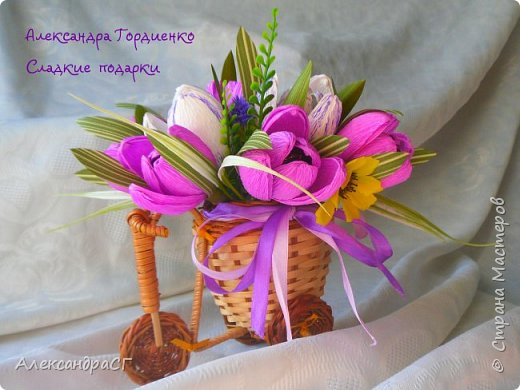 """Запахло весной, очень хочется ярких весенних красок и солнечных деньков. Настроение поднимают любимые букеты. К 8 Марта готова))) """"Вырастила"""" самые настоящие весенние цветы (крокусы да тюльпаны) фото 2"""