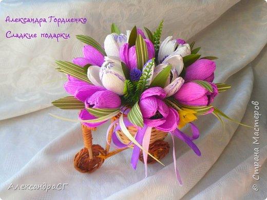 """Запахло весной, очень хочется ярких весенних красок и солнечных деньков. Настроение поднимают любимые букеты. К 8 Марта готова))) """"Вырастила"""" самые настоящие весенние цветы (крокусы да тюльпаны) фото 1"""