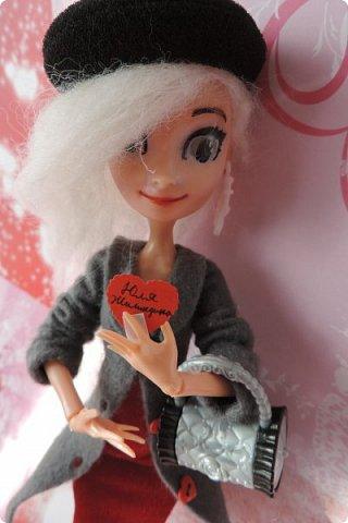 Всем привет! Сегодня я представляю вам свой первый ООАК из подделочки под Эльзу из Холодного Сердца. Девочку я назвала Лаурой де Сент Марией.  фото 11