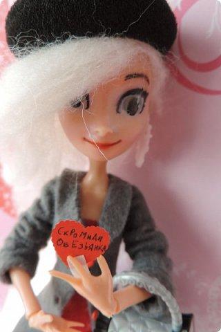 Всем привет! Сегодня я представляю вам свой первый ООАК из подделочки под Эльзу из Холодного Сердца. Девочку я назвала Лаурой де Сент Марией.  фото 16