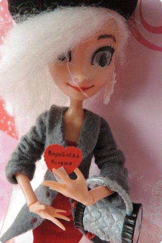 Всем привет! Сегодня я представляю вам свой первый ООАК из подделочки под Эльзу из Холодного Сердца. Девочку я назвала Лаурой де Сент Марией.  фото 19
