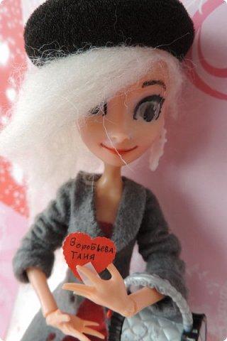 Всем привет! Сегодня я представляю вам свой первый ООАК из подделочки под Эльзу из Холодного Сердца. Девочку я назвала Лаурой де Сент Марией.  фото 21