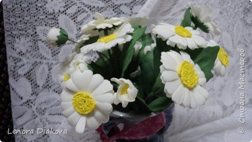 Здравствуйте, дорогие мастера и мастерицы! Вынужденное сидение дома дало плоды - конфетница и цветы. В последнее время занимаюсь и картонажем и цветами. фото 10