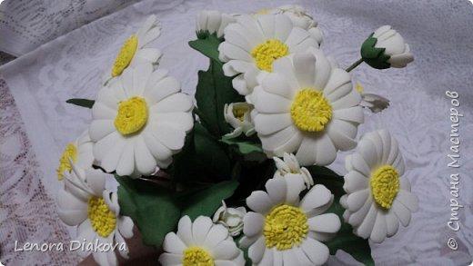 Здравствуйте, дорогие мастера и мастерицы! Вынужденное сидение дома дало плоды - конфетница и цветы. В последнее время занимаюсь и картонажем и цветами. фото 8