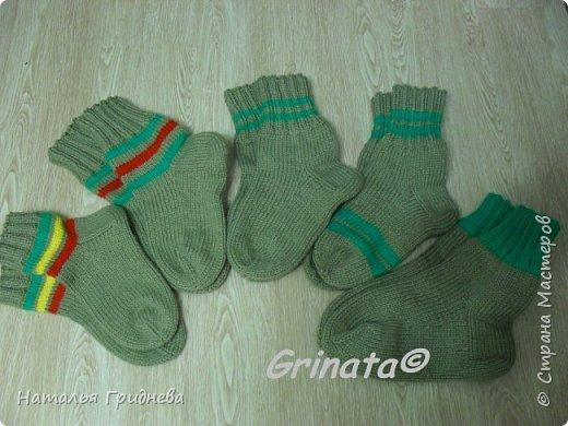 В Дню защитников отечества готова! В нашей семье мужчины любят вязанные носки. Всем мужикам по носкам )))) фото 1