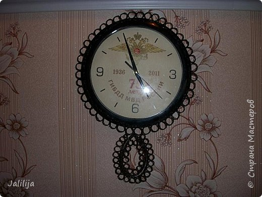 Уважаемые жители и гости Страны мастеров! Вот ещё одни часы, изменённые с помощью джутовых ниток. К сожалению, у меня нет картинки, какими они были изначально. Описываю: был просто круг с чёрным ободком, вообщем, часы для казармы. фото 14
