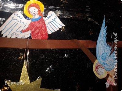 До Рождества оставалось две недели,и мне захотелось сделать вертеп, так как много детей дома. Акцент был сделан на подсветку. Это придает некую таинственность))) Я думаю задумка получилась...судить Вам!)) фото 24