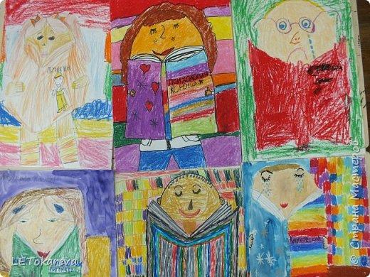 Здравствуйте! Мы с ребятами рисовали читателей. Впервые взяла эту тему. Мне и ребятам тема понравилась!  Изобразительные материалы дети выбирали сами. Предлагала масляную пастель, цветные карандаши, маркер, акварель, фломастеры. (А-3) (Ксюша Х. 7 лет). фото 2