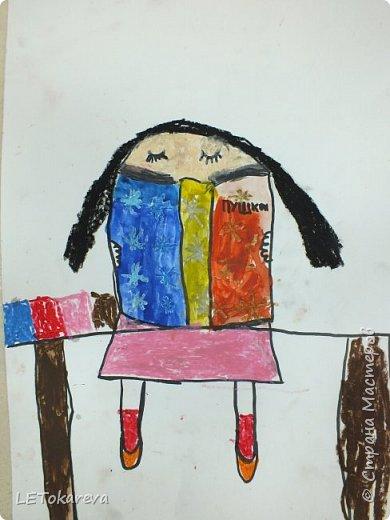 Здравствуйте! Мы с ребятами рисовали читателей. Впервые взяла эту тему. Мне и ребятам тема понравилась!  Изобразительные материалы дети выбирали сами. Предлагала масляную пастель, цветные карандаши, маркер, акварель, фломастеры. (А-3) (Ксюша Х. 7 лет). фото 6