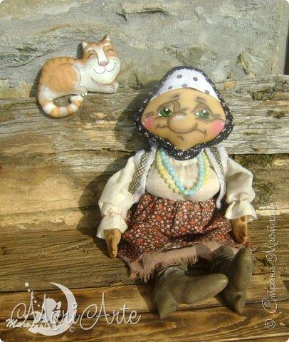 Здравствуйте всем!  У меня появилась вот такая деревенская бабуська,сшита  по М.К. Людмилы Набиуллиной, сапожки по М.К. Татьяны Зуевой, кот Васька -(картинка из интернета, выкройка моя) фото 4
