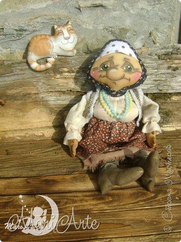 Здравствуйте всем!  У меня появилась вот такая деревенская бабуська,сшита  по М.К. Людмилы Набиуллиной, сапожки по М.К. Татьяны Зуевой, кот Васька -(картинка из интернета, выкройка моя) фото 5