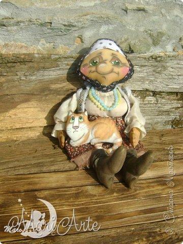 Здравствуйте всем!  У меня появилась вот такая деревенская бабуська,сшита  по М.К. Людмилы Набиуллиной, сапожки по М.К. Татьяны Зуевой, кот Васька -(картинка из интернета, выкройка моя) фото 6
