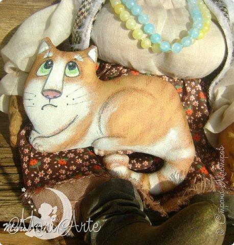 Здравствуйте всем!  У меня появилась вот такая деревенская бабуська,сшита  по М.К. Людмилы Набиуллиной, сапожки по М.К. Татьяны Зуевой, кот Васька -(картинка из интернета, выкройка моя) фото 7