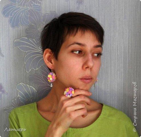 Приветствую всех заглянувших)) Накопилось немного работ, как всегда миниатюрные брошки, комплект серьги и кольцо, и первый раз повязку для малышки сделала. фото 4