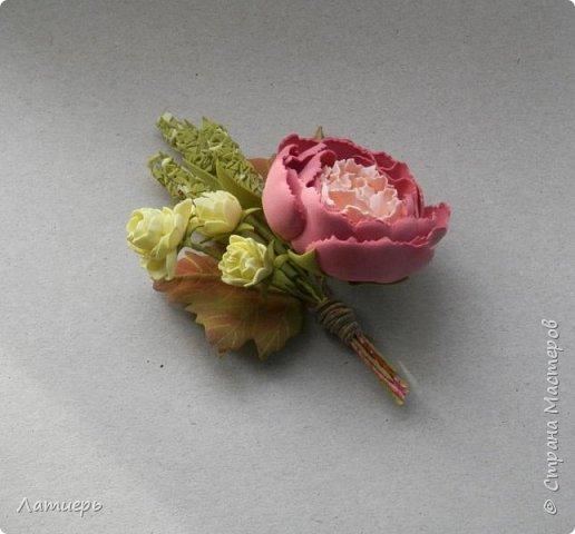 Приветствую всех заглянувших)) Накопилось немного работ, как всегда миниатюрные брошки, комплект серьги и кольцо, и первый раз повязку для малышки сделала. фото 7