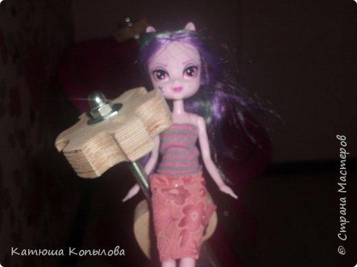 В летнем платье Ария ходила по разным местам. фото 2