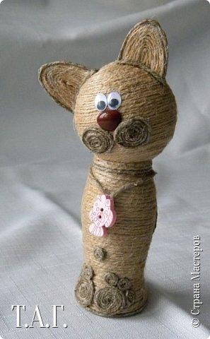 Признаюсь откровенно, что до последнего МК по созданию елочных шаров ( http://stranamasterov.ru/node/1004386 ), никогда дела с джутовым шнуром не имела. Кое что с ним и из него делали дети http://stranamasterov.ru/node/997271 . фото 19