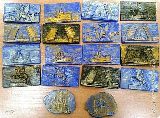 Подарки папам - гипсовый магнит с видами Санкт-Петербурга. фото 1