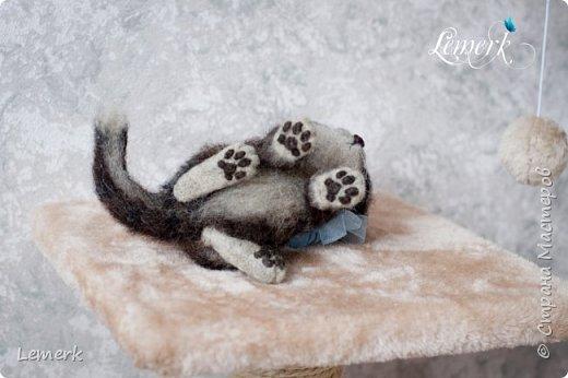 Воробушек. Валяный полосатый котенок. 17 см фото 13