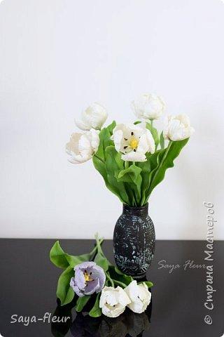 Здравствуйте, как всегда перед 8 марта популярными подарками становятся тюльпаны. В этом году сделала такие к 8 марта. Цветы из полимерной глины, высотой 32 см.  фото 2